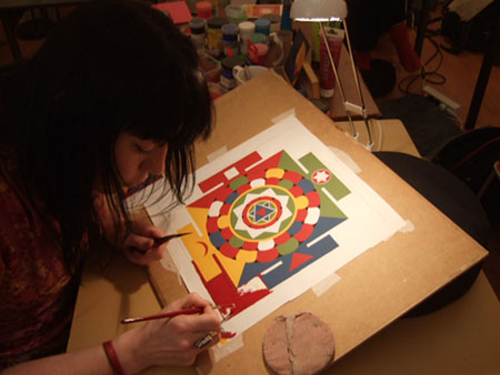 carmen-mensink-painting-mandala-5-elements