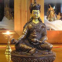 guru-rinpoche-statue-painting