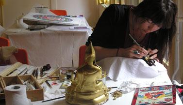 lama-tsong-khapa-statue-painted-by-carmen-mensink