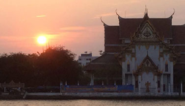 bangkok-river-temple-sunset