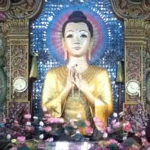 burmese-buddha-in-myanmar-temple