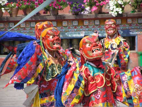 cham-lama-dance-nepal-carmen-mensink