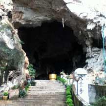 entrance-rock-temple-malaysia