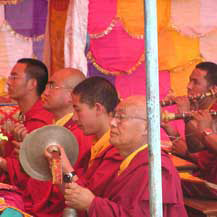 monks-playing-music-cham