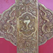 temple-door-conch-shell-metal