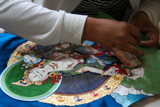 applique-thangka-norbulingka-institute