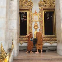 buddhist-monks-in-thailand