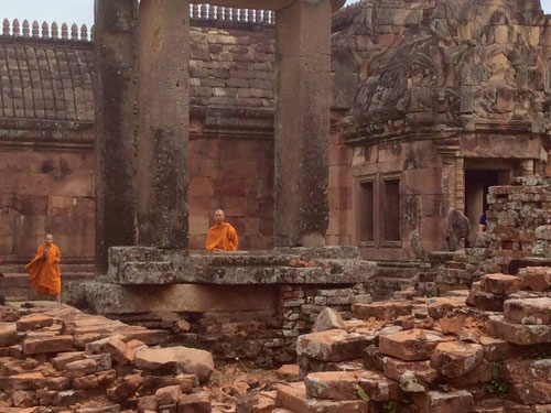 phanom-rung-thailand-monks