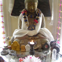 altar-with-buddha-statue